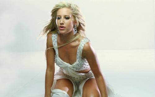 Ashley Tisdale 3