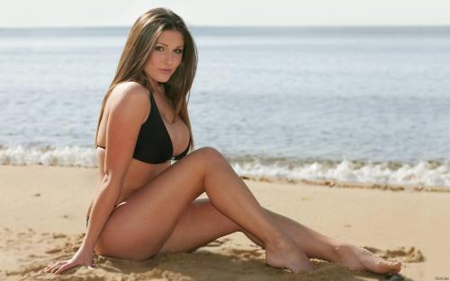Lucy Pinder 02